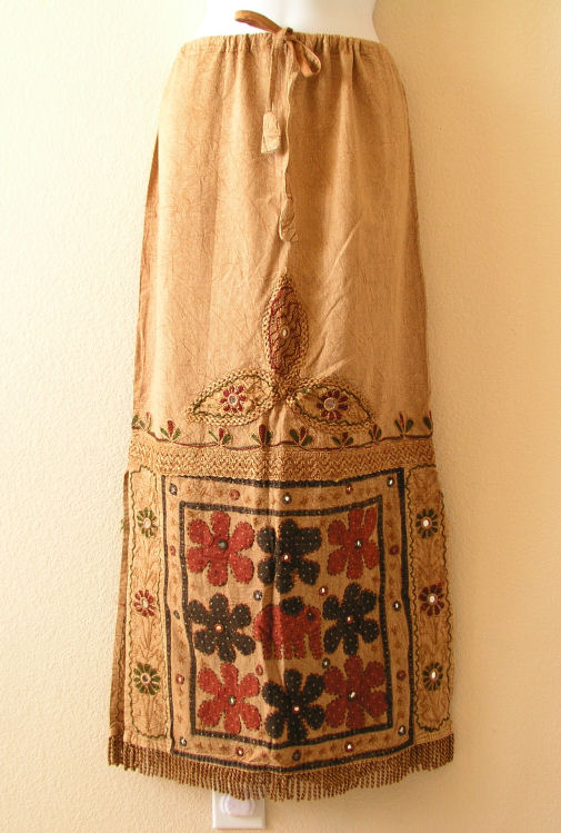 G120 Renaissance Heavily Embroidered Long Skirt