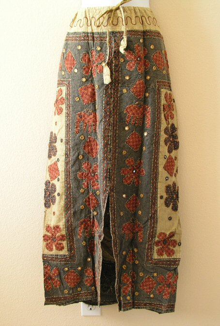 G46 Renaissance Heavily Embroidered Long Skirt