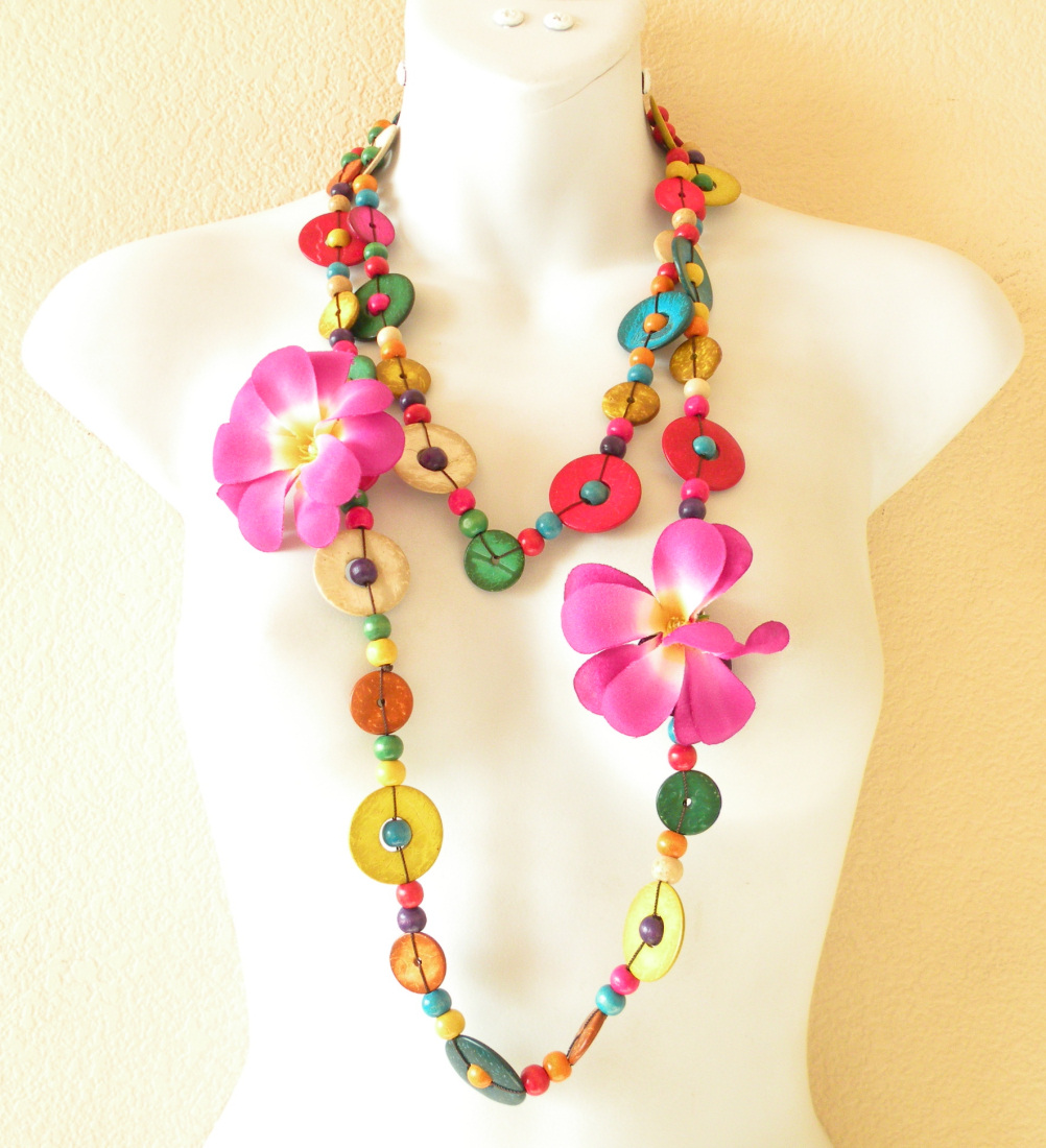 NB10 - Hand Carved Wooden Necklace